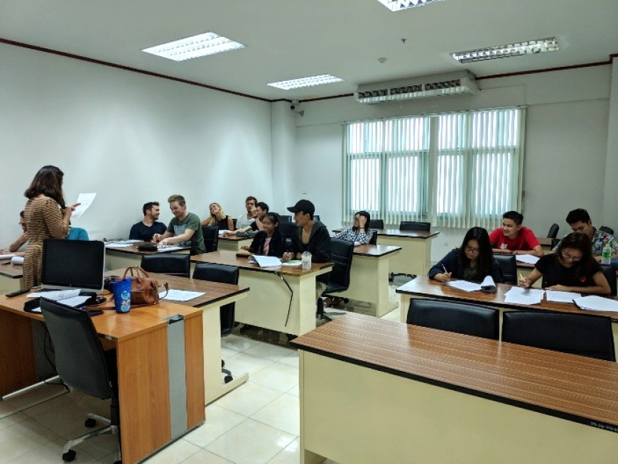 "International College Opens ""Thai Language for International Students"" Class"