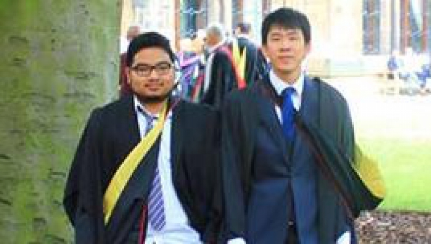 Two SE students graduate with honours degrees from Glasgow University